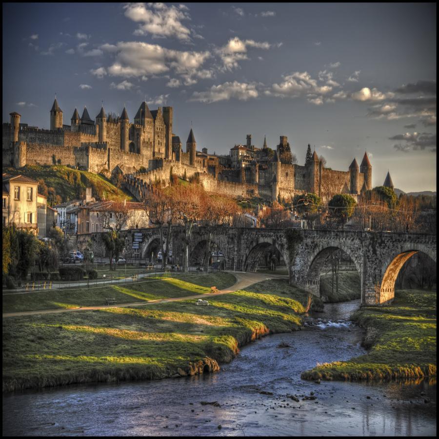 Francia del sud nelle terre di catari templari e della for Au jardin de la tour carcassonne