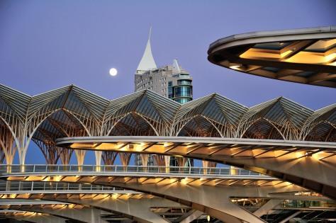 Gare_do_Oriente-Architecture_of_Portugal-Contemporary_architecture-Modern_architecture-Parque_das_Nacoes-Santa_Maria_dos_Olivais_Lisbon-Santiago_Calatrava-Train_station