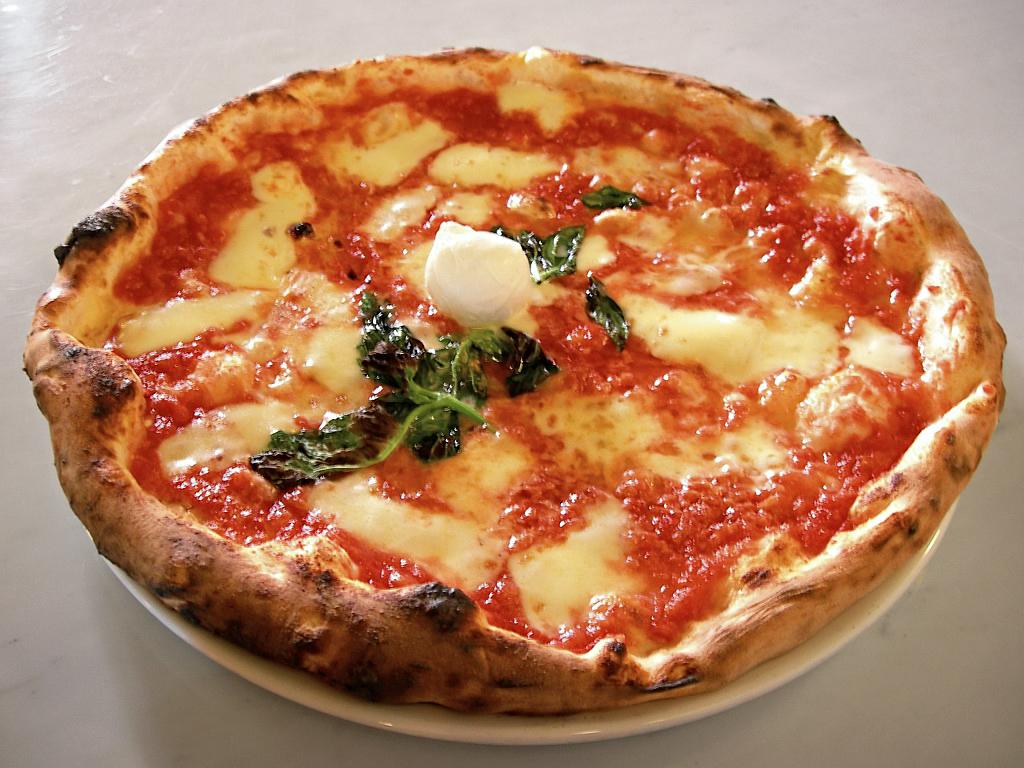 Eq_it-na_pizza-margherita_sep2005_sml