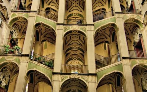 Lo-scalone-del-palazzo-dello-Spagnolo-640x400