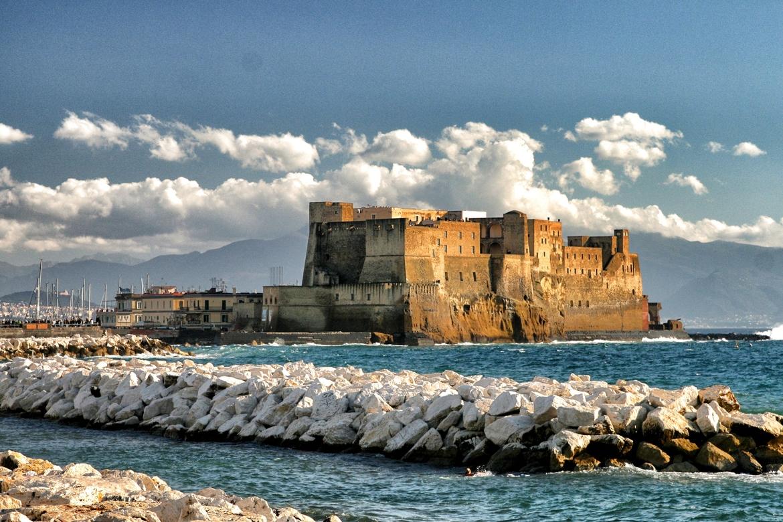 Visitare-Castel-dell'Ovo-Napoli