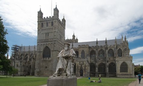 exeter-cathedral-side